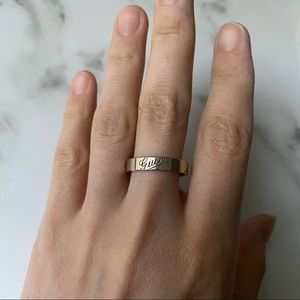 Gold Gucci ring